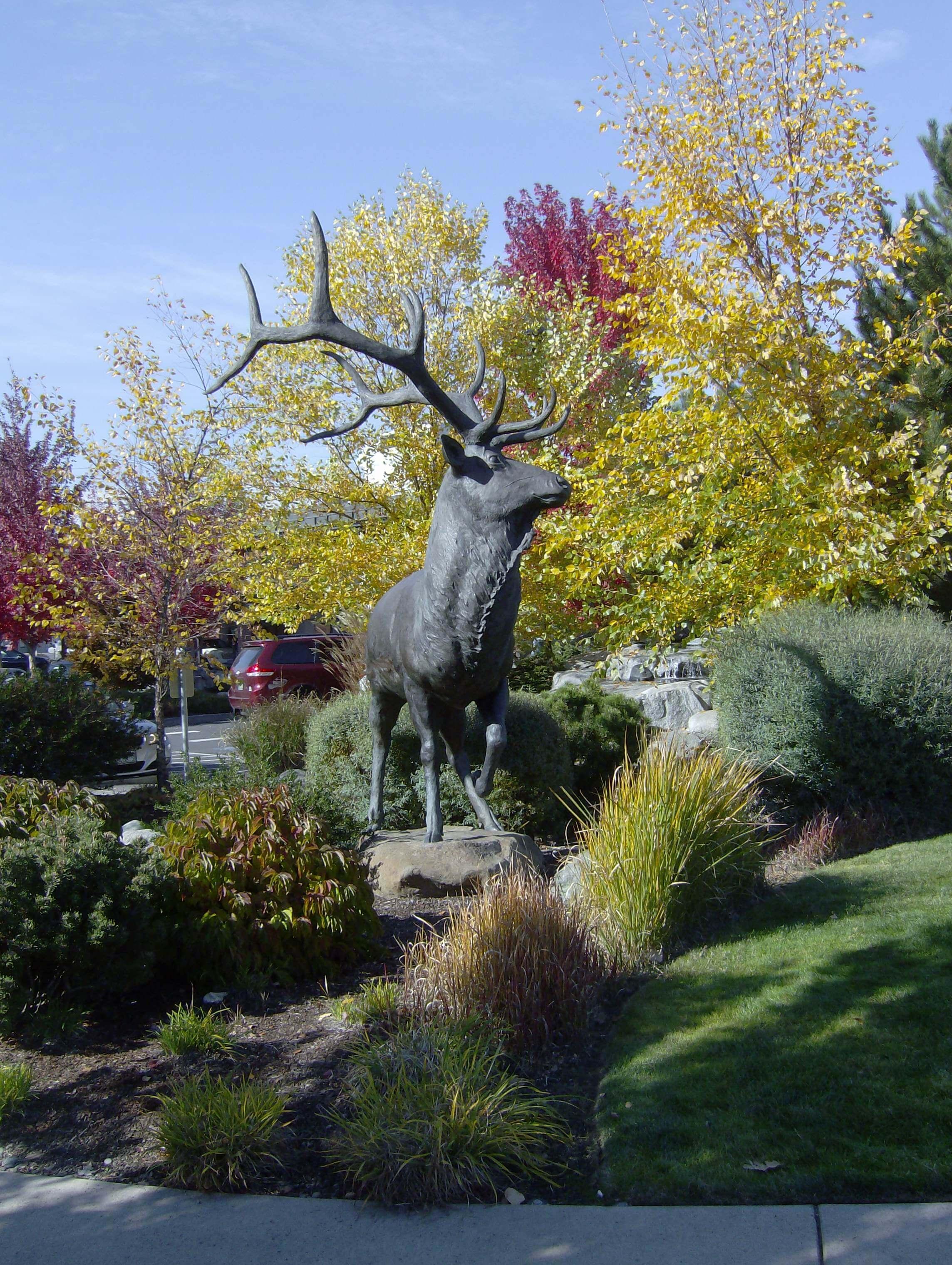 Grants Pass Statue
